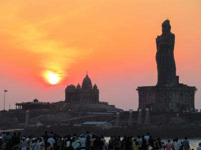 南&西インドの旅④⑤ コモリン岬の朝日と夕日