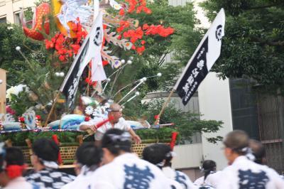 博多祇園山笠の追い山 - 山笠(やまかさ)があるけん博多たい