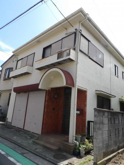玄関の庇が丸屋根の家(横浜市南区堀ノ内町2)