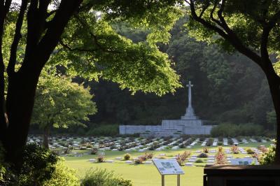 平和への祈り;英連邦戦死者墓地 5月/2020