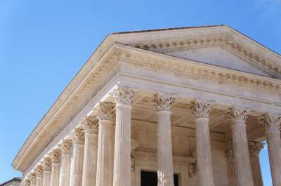 古代ローマ時代から続く歴史的都市、ニームへ モンペリエから日帰り小旅行