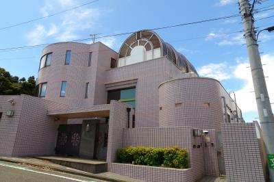 可動式丸屋根ドームがある家(横浜市磯子区岡村7)