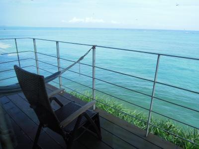 沖縄旅行2019.7月 2日目 カフェモーニングに始まり今帰仁でまったり・ナゴパイナップルパーク 海辺の宿あまみく泊