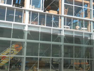 豊浜往復の海岸 26と27と28と29海沿いのレストランは海開きの準備が進みます