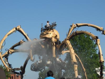 横浜開国博Y150(2009年9月)記憶と写真に残るのは機械仕掛けの巨大なクモだけ…