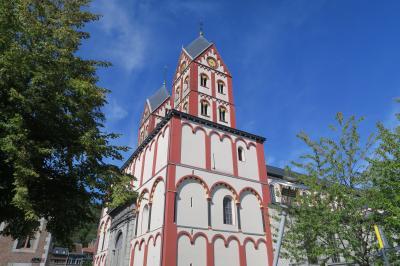 ヨーロッパ交易の中継地リェージュ8. 展望台から山道を歩いて聖バルテルミー教会へ