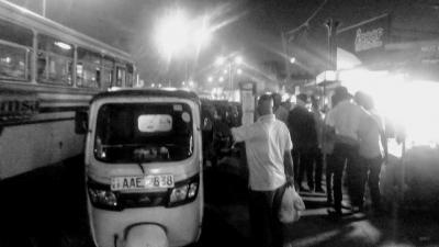 真夜中 の  スリランカ  !   乗ってしまった 深夜の 悪魔 の バス    2018