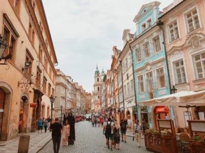 創立25周年記念旅行体験記「プラハ旅行記」