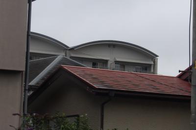 2つの丸屋根が並ぶマンション(横浜市西区)