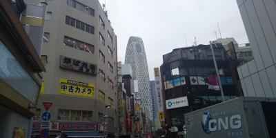 新宿食べ歩きデート