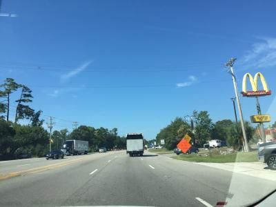 サウスカロライナ州 ポーリーズアイランド - オーシャンハイウェイ(国道17号線)をドライブ