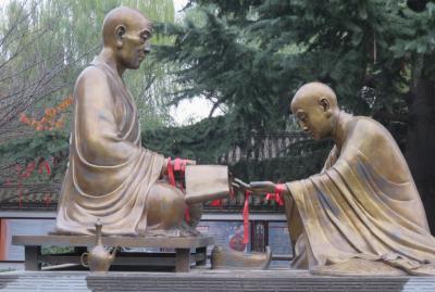 2019秋、中国旅行記25(30/34):11月20日(7):西安(17):青龍寺(2):空海書の仏、恵果大阿闍梨と空海像