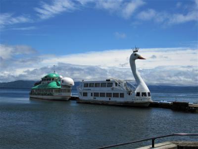 天を映し出す鏡のような猪苗代湖に涼をもとめて、安積疏水十六橋水門にロマンをもとめて。