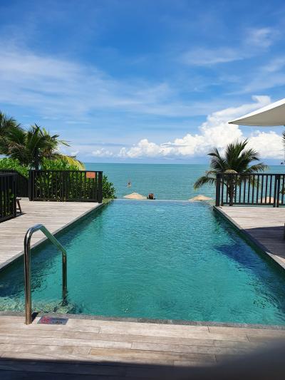 マレーシア国内旅行 ランカウイ島へ。1) リッツ・カールトンのビーチビラに泊まる