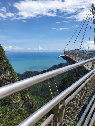 マレーシア国内旅行。ランカウイ島へ。2) スカイブリッジとチェナンビーチ