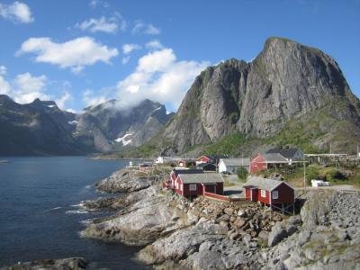 ロフォーテン諸島【観光】Hamnøyの漁村と、Nusfjordの漁村リゾート