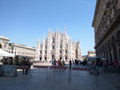 イタリアミラノ 旅行。 (アンティーブ、グラース、インペリア、、ミラノの旅)のパート4。