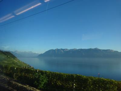 絶景が広がるアルプスの山歩きと鉄道の旅:スイス、リヒテンシュタイン旅行【5】(2019年秋 2日目⑤ スイス鉄道の旅「序章」)