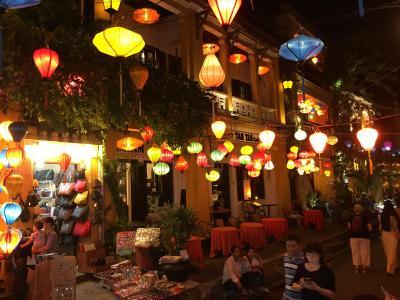 2019年の夏休みはとりあえずベトナムでも/ランタンと観光客で溢れかえるホイアンの夜