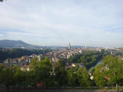 絶景が広がるアルプスの山歩きと鉄道の旅:スイス、リヒテンシュタイン旅行【8】(2019年秋 3日目③ 中世の街並み)