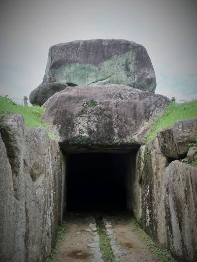 奈良県13   明日香村d  特別史蹟 石舞台古墳 ☆総重量-2,300トンと推定・巨石30も組み合わせ
