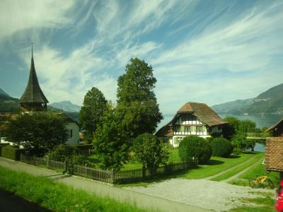 絶景が広がるアルプスの山歩きと鉄道の旅:スイス、リヒテンシュタイン旅行【11】(2019年秋 3日目⑥ ベルナーオーバーラントへの道)