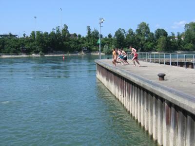 週末のスイス国内旅行バーゼルのライン川で溺れかける編と、6月のバーゼルいろいろ