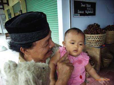 初めてのジョクジャカルタ (ベトナム・カンボジア・マレーシア・シンガポール・インドネシア 16日間の旅 その11-2) ボロブドゥール訪問!