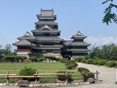 初めての国内一人旅で松本へ!その1 旅のスタートは黒壁の松本城