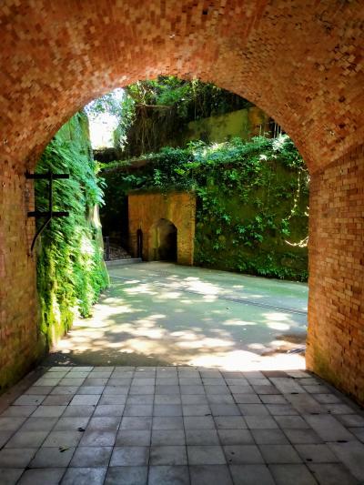 身近な無人島猿島で、天空の城ラピュタの世界観を感じながら探検気分を味わう