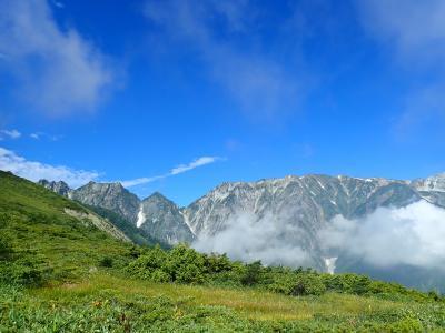 絶景を求めて唐松岳に + 滅多に泊まれないホテルに滞在?