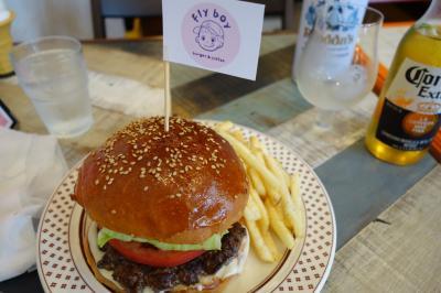 20200828 大阪 鷺洲のハンバーガー屋さん、FLY BOYでハンバーガーとコロナ