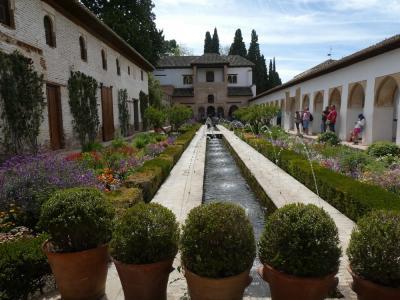 母娘ポルトガル・スペイン二人旅 ⑦ グラナダカードでアルハンブラ宮殿