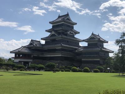 現存12天守の中で姫路城に次ぐ規模の国宝松本城を訪れる