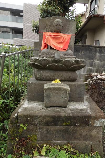 魔の淵のお地蔵さま(鎌倉市雪ノ下)