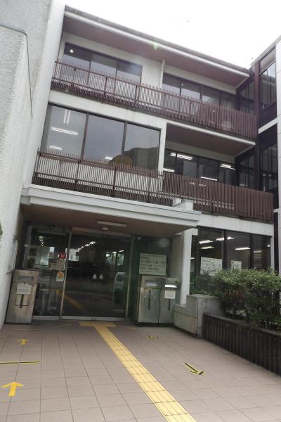 鎌倉中央図書館(鎌倉市御成町)