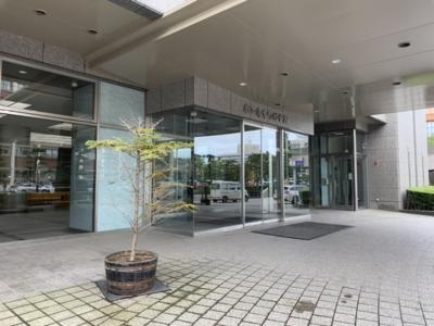 秋田市山王界隈の公共施設レストランのランチを食べに行く