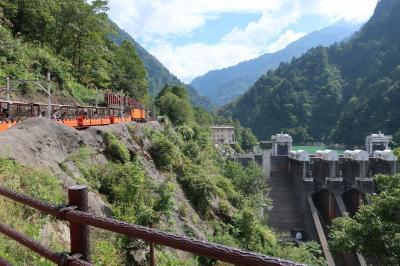 山と海の北陸路5泊6日 ①トロッコ列車と富山の秘湯 名剣・大牧