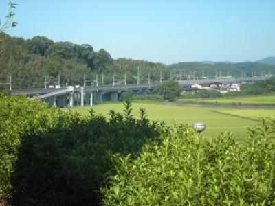露天から九州新幹線と鹿児島本線が見える! 熊本県玉東町「ふれあいの丘交流センター」 *2021年10月20日、展望サウナの写真を追加、更新