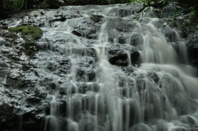 大雨前に近場で滝見からの…
