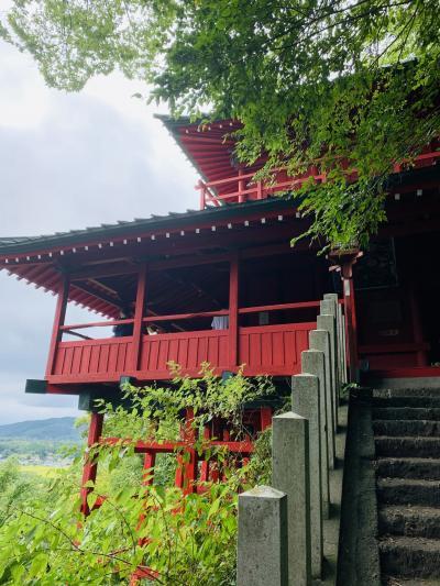 崖の上の神!  磯山弁財天へ登る。