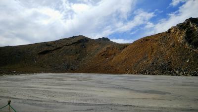 今年のトレッキングは、日帰りで御嶽山を登る