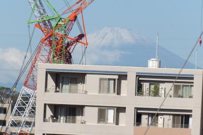 久し振りに見た富士山は初冠雪していた