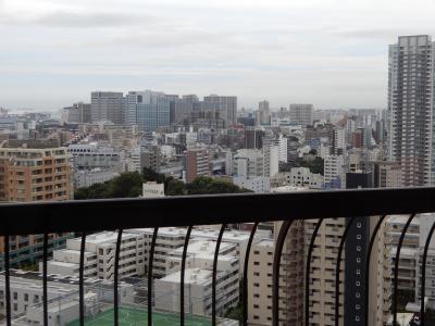 東京マリオットホテル:ハワイ・シェアポイントでアップグレード部屋だが狭い。26階専用ラウンジは激混。