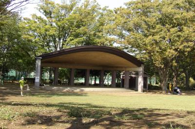 金井公園にある屋根
