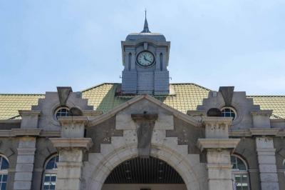 新竹駅は日本統治時代から現存する最古の駅舎だった!! 意外な気がした・・ 興味の対象外の街だったが、実は日本との関りは半端ないのであった!!
