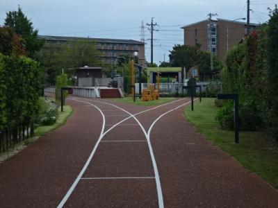 愛知県碧南市レールパーク、廃線跡を歩く
