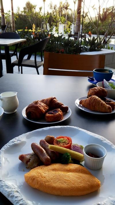 娘に引きずられて沖縄② 二日目『ハレクラニ沖縄』で朝食~2泊目『ザリッツカールトン沖縄』チェックイン