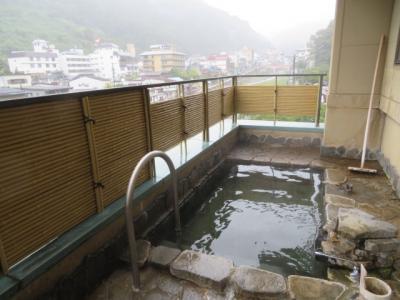 信州の渋温泉「太陽館ヤマト屋」に宿泊して温泉と食事を楽しむ