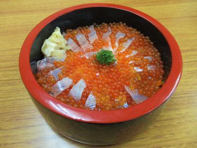 姫鱒親子丼を目指して雨の十和田湖にランチしに行く